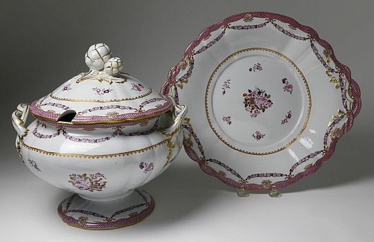 Chinese Export Famille Rose Tureen and Cover on Stand