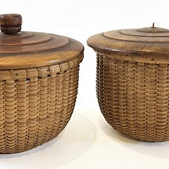 Pair of José Formoso Reyes Round Open Nantucket Baskets